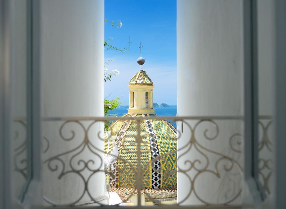 luxury-hotels-italy-amalfi-coast-le-sirenuse-cupola-view_lg
